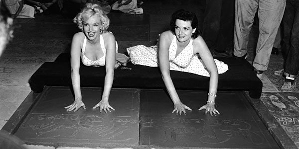 marilyn monroe handprints in concrete